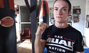 Sylvie's Muay Thai Technique Vlog – Clipping the Bag with the Hook