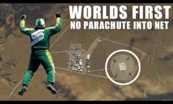 World First – Skydiver Luke Aikins Jumps 25000 Feet Into Net With No Parachute
